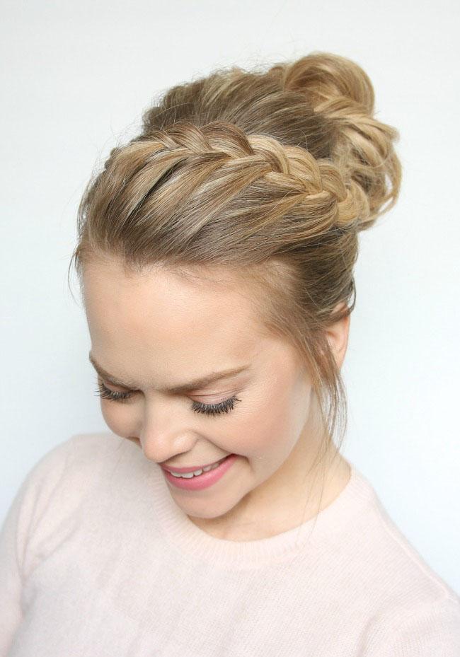 Пучок с косой - аккуратная причёска