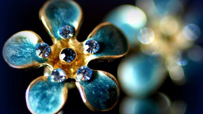 Голубые камни: легкость, чистота и развитие личности