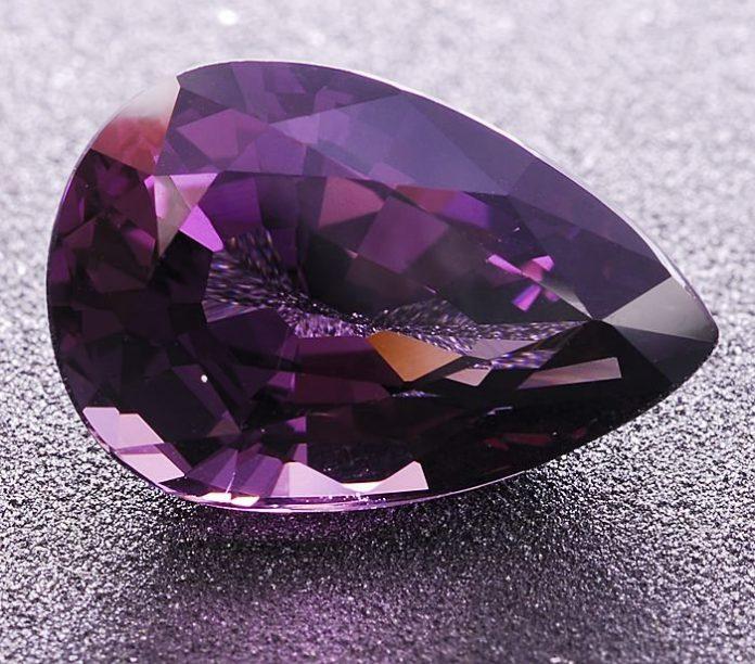 Таффеит - редкий дорогой камень любви