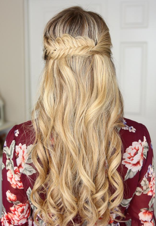 Причёски с косами и распущенными волосами