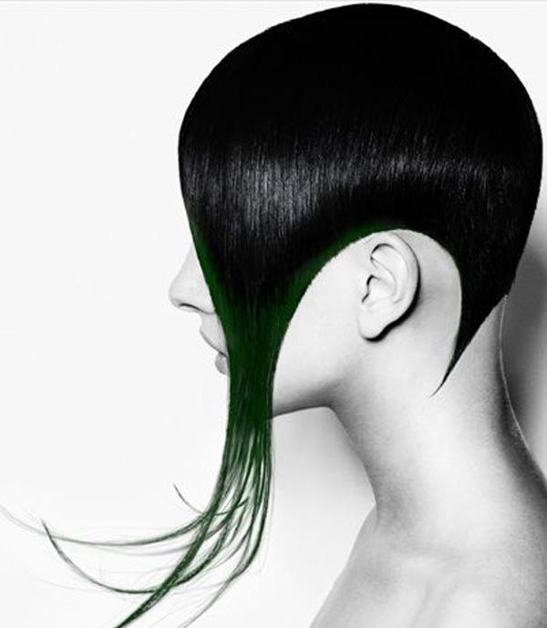 короткая стрижка боб с оригинально удлиненными волосами на висках