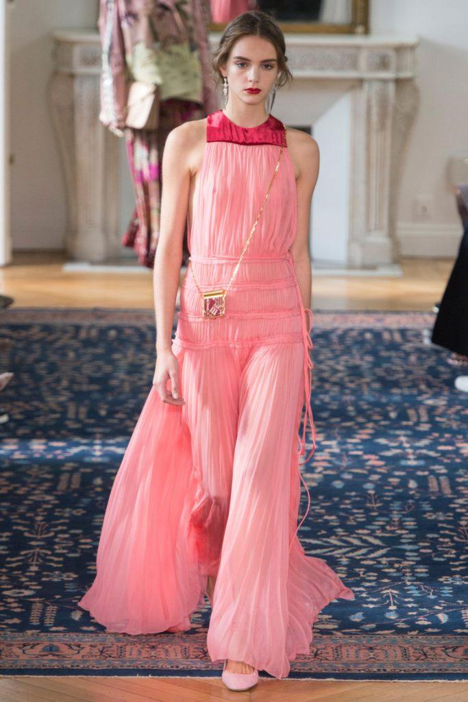 7ebd018a8f2 Длинное платье в пол розовых тонов с - фото новой коллекции Valentino весна-лето  2017