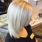 градуированный объемный каскад на средние волосы