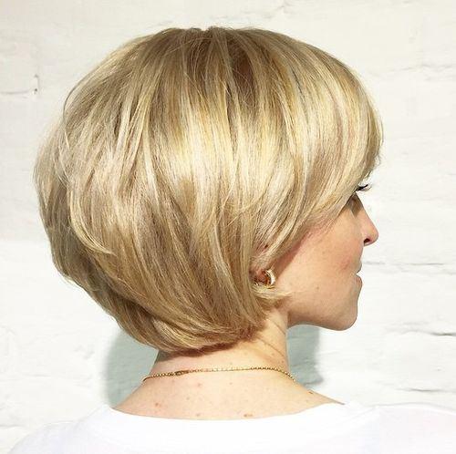 градуированная короткая стрижка для тонких волос