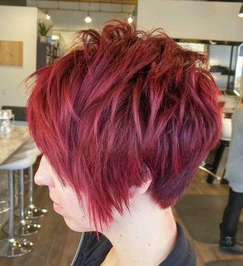 пикси для тонких волос с великолепным красно-каштановым цветом