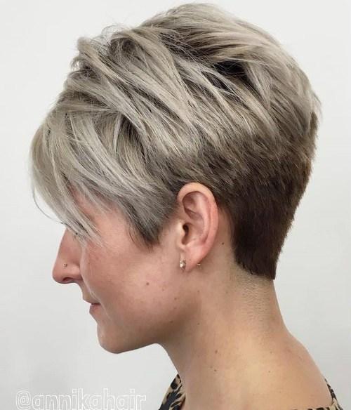 пикси для тонких волос с длинной косой челкой