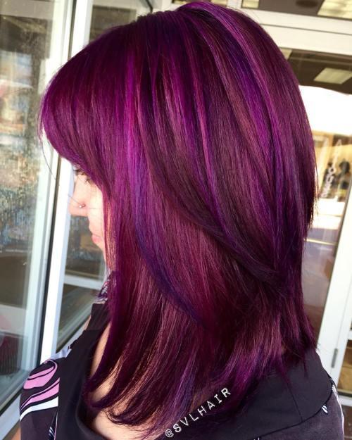 градуированный каскад для тонких волос с фиолетово-розовм цветом