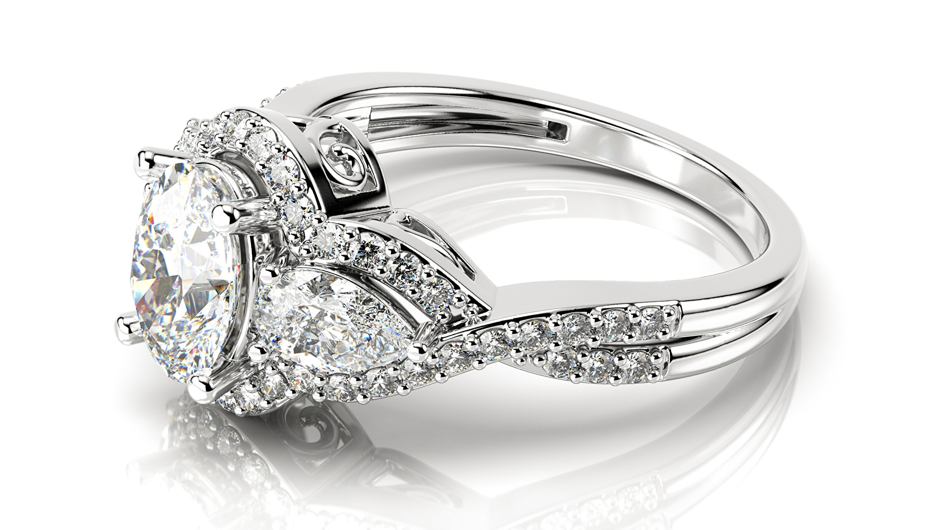 В руках драгоценный камень должен сохранять прохладу, не нагреваться. А еще  на него можно подышать. Алмаз не запотеет. 98284035ba4