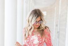 Нежно-розовое кружевное платье – стильный лук