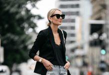 Стильное сочетание: пиджак с рваными шортами