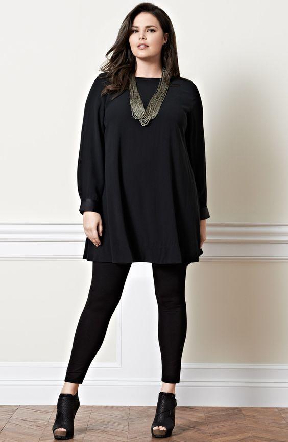 мода 2019, модели больших размеров с черной блузкой и аксессуарами