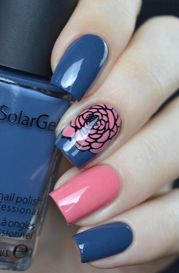 Маникюр синего, розового гель лака  и с рисунком в виде цветка