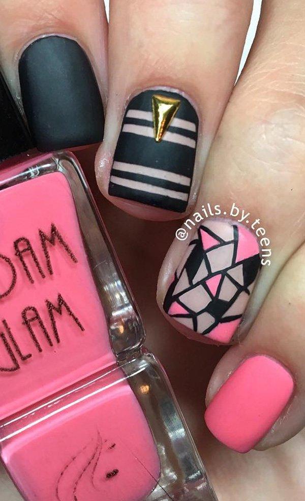 Маникюр черный матовый в белыми полосками,розовый матовый и мозаичным рисунком