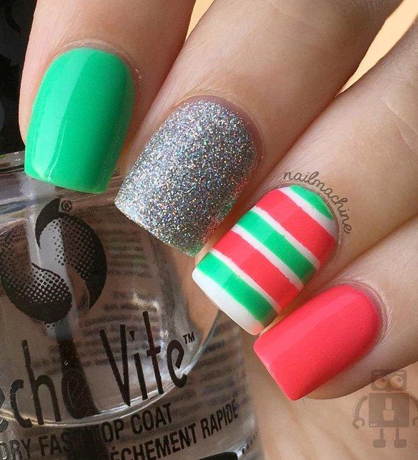 Маникюр сочетающий различные цвета-зеленый, розовый, серый перламутровый и в полоску