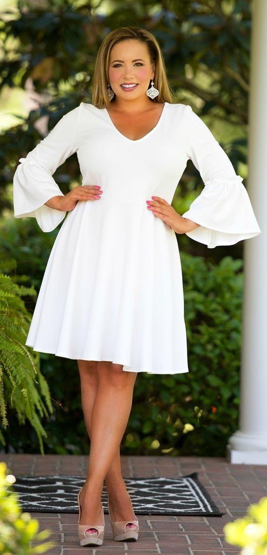 роскошное белое платье 2019 большего размера с расклешенным рукавом
