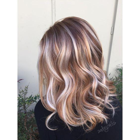 градуированная стрижка на длинные волосы с красивым окрасом