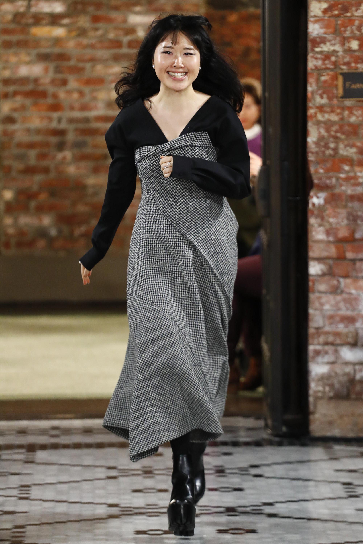 ADEAM ассиметричное серо-черное платье в мелкую клету 2018-2019