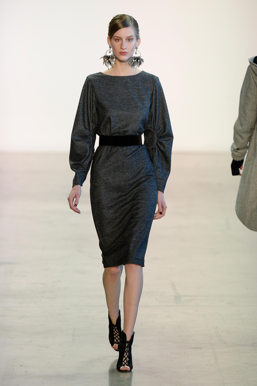 Badgley Mischka темно-серое платье с черным поясом 2018-2019