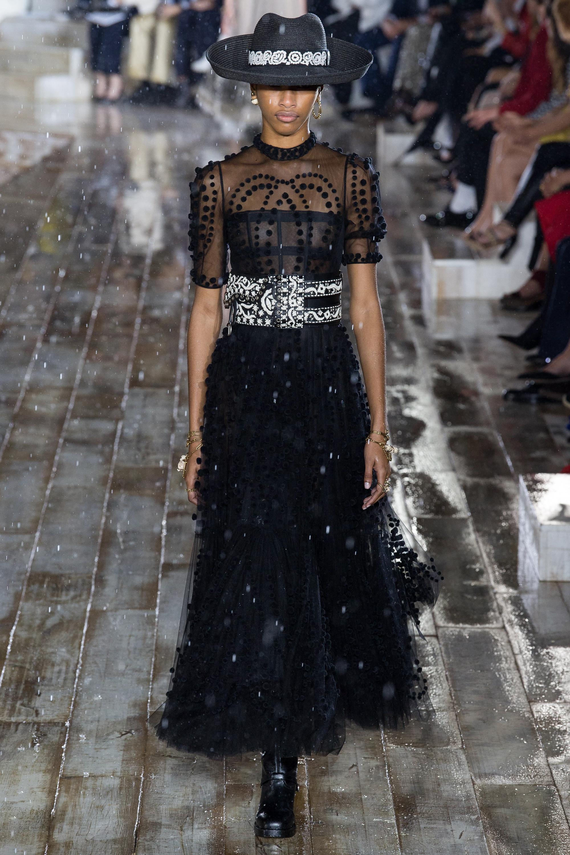 Christian Dior черное кружевное платье с пышной юбкой 2019 с необычным белым поясом