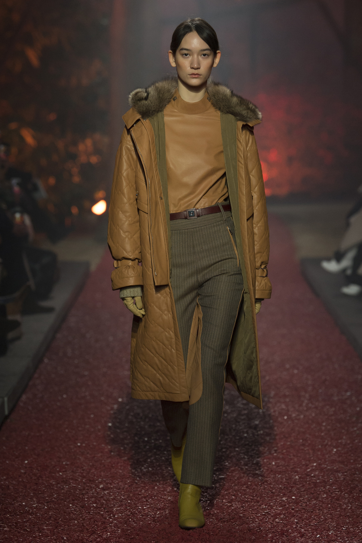 Hermès стеганное кожаное пальто 2019 с норковым воротником