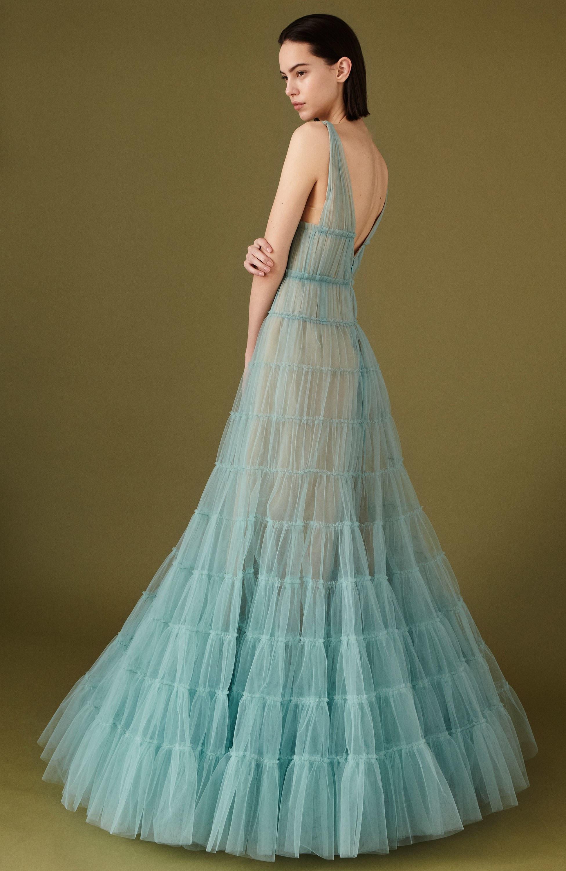 J. Mendel длинное расклешенное платье голубого цвета 2019 с глубоким вырезом