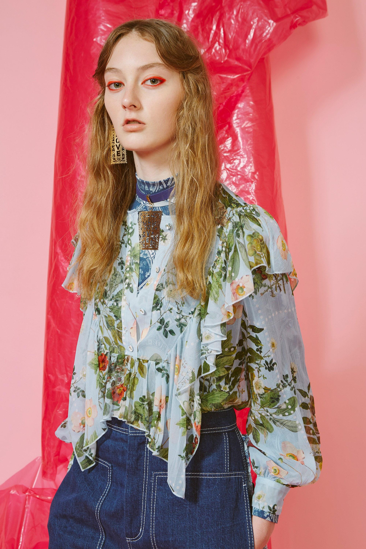 Karen Walker модная блузка 2019 с цветочным принтом и воланами