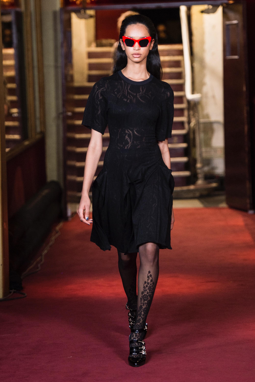 Koché черное кружевное платье 2019 с короткими рукавами