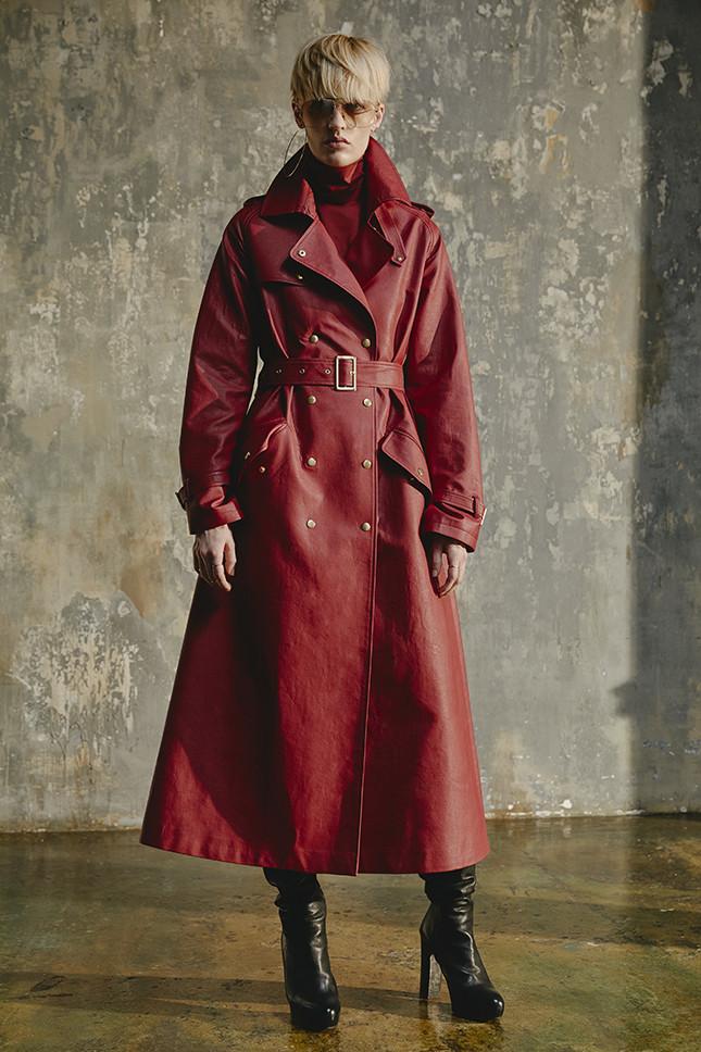 Laroom кожаное пальто 2019 красного цвета с заклепками