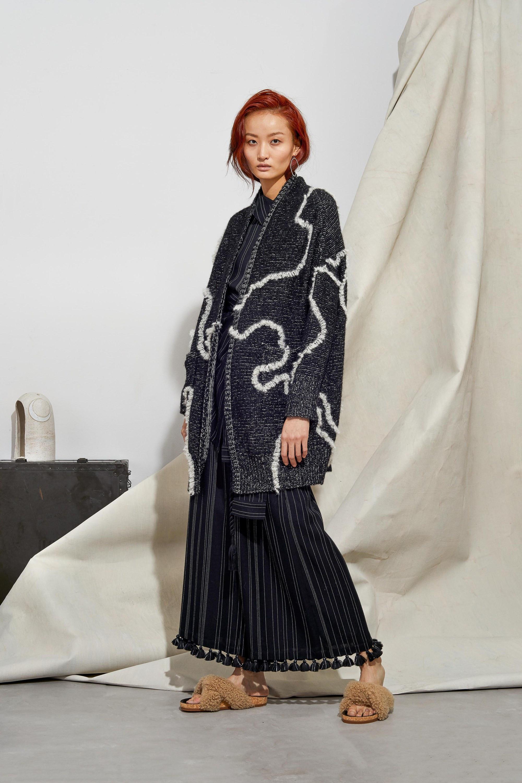 Laura Siegel модный кардиган темно-серого цвета 2019 с белым рисунком