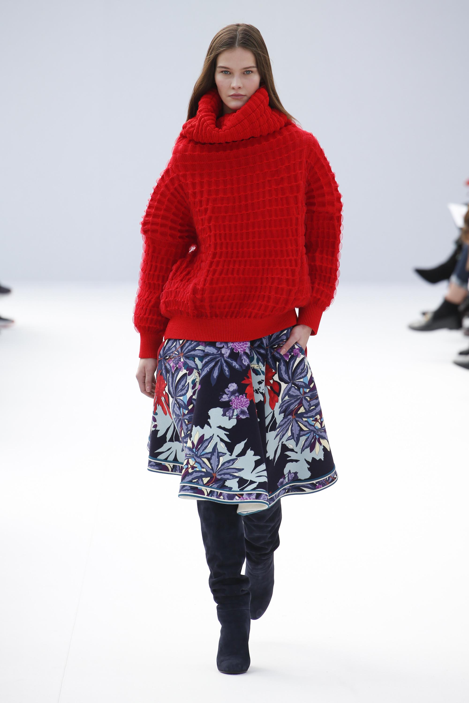 Leonard свитер оверсайз крупной вязки красного цвета 2019 с юбкой с цветочным принтом