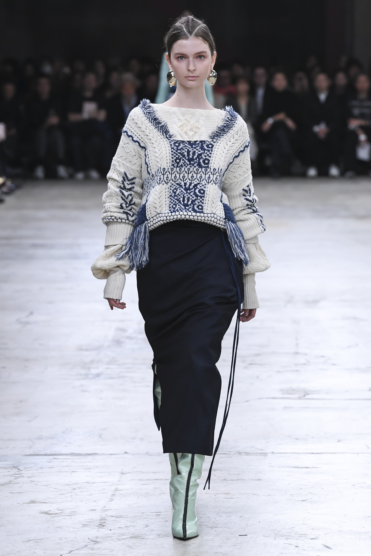 Mame вязаная кофта с оригинальными длинными рукавами 2019 с бахромой и вышивкой