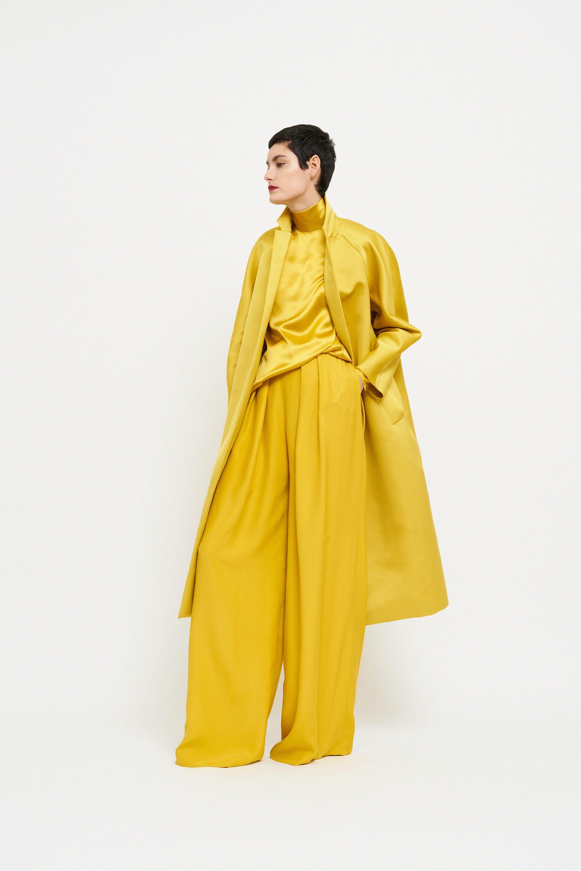 Martin Grant блузка, кардиган и широкие брюки 2019 оттенка Цейлонский жёлтый