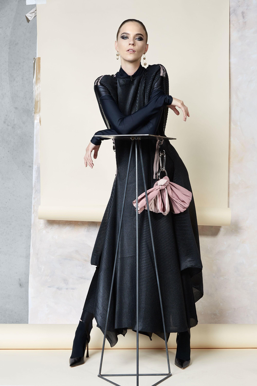 Maticevski ассимметричное черное платье 2019 с длинными рукавами
