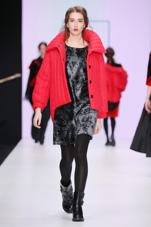 Mursak красная стеганая куртка 2019 с большим воротником