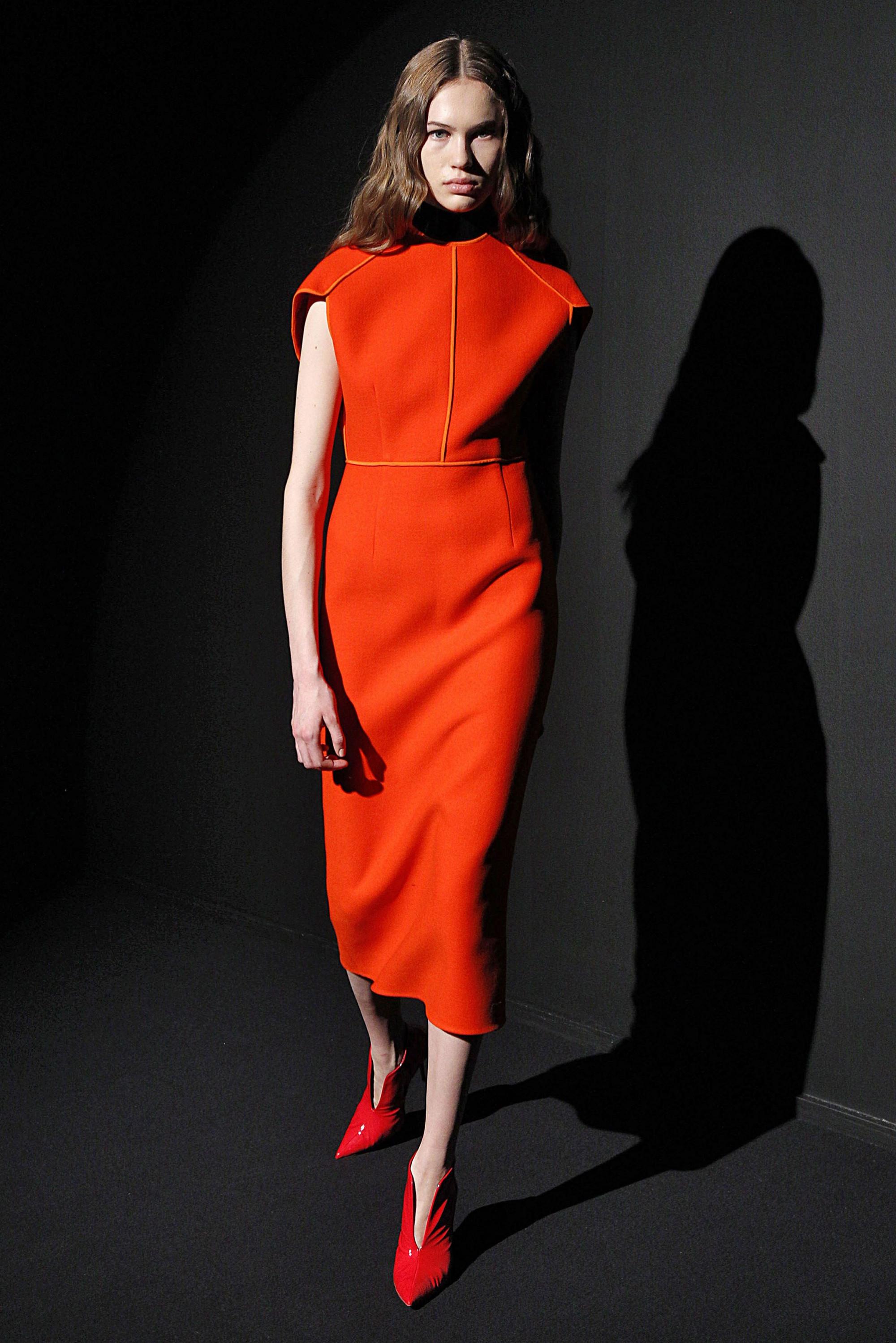 Narciso Rodriguez платье миди 2019 оттенка красновато-коричневый апельсин