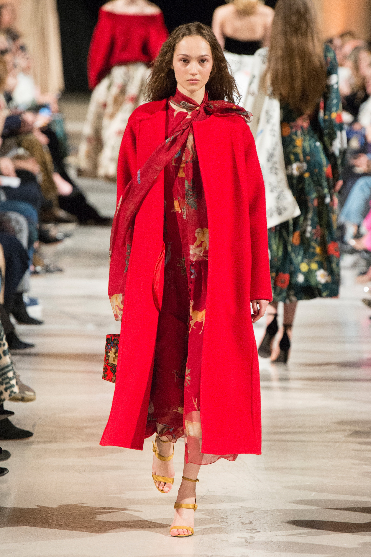 Oscar de la Renta ярко-красное пальто 2019 без воротника