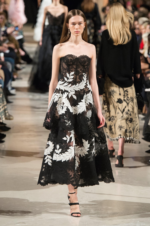 Oscar de la Renta5 черное кружевное платье ольте 2019 с цветочным принтом белого цвета