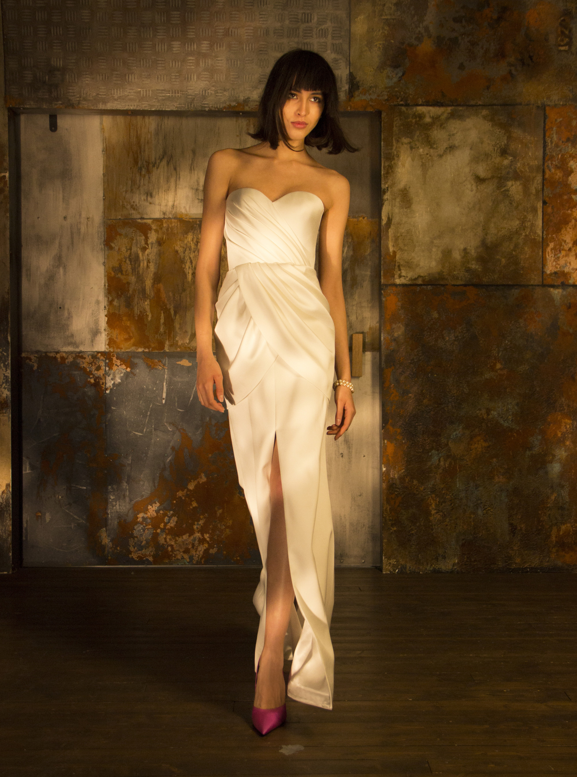 Rasario белое длинное платье декольте 2019 с большим разрезом
