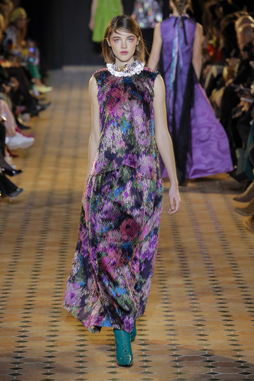 Talbot Runhof длинное расклешенное платье с разноцветным принтом 2018-2019