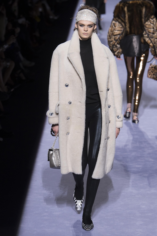 Tom Ford белое пальто-альпака 2019 с большим отложным воротником