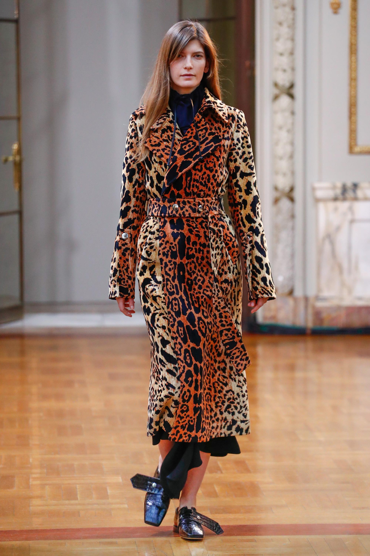 Victoria Beckham пальто черно-коричневых тонов 2019 леопардовой расцветки