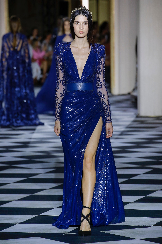 Zuhair Murad длинное синего цвета с блеском платье 2019 с глубоким вырезом и большим разрезом