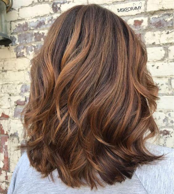 Стрижка каскад для длинных волос женщин 40 лет