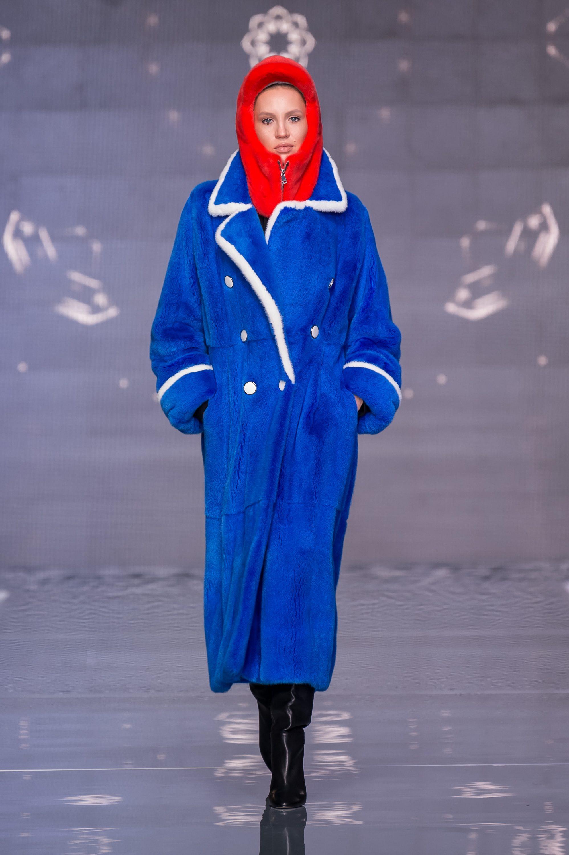 Меха Екатерина шуба из норки 2019 ярко-синего цвета