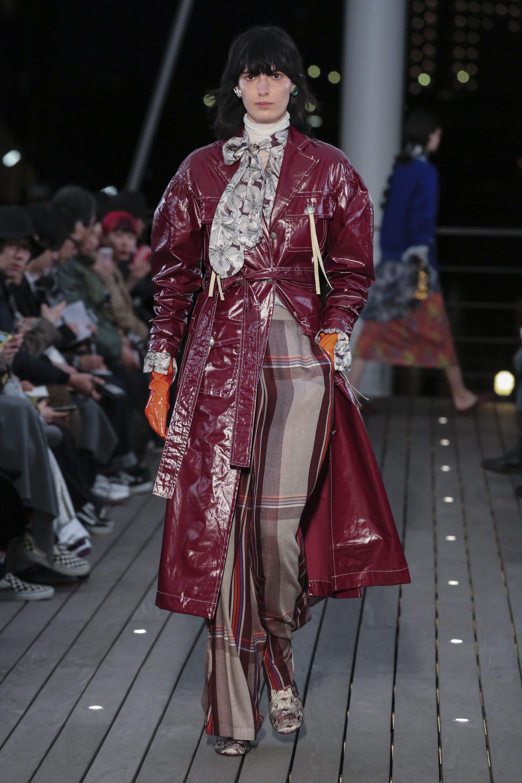 5 Knot бордовое кожаное пальто 2019 лакированное