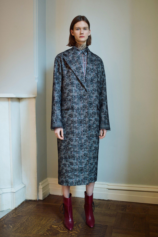 Adam Lippes модное пальто 2019 прямого силуэта в клетку