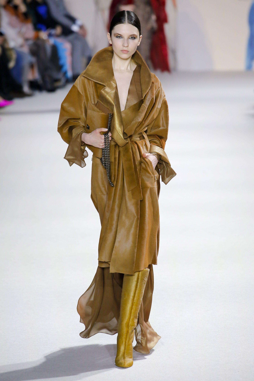 Akris модное бежевое пальто 2019