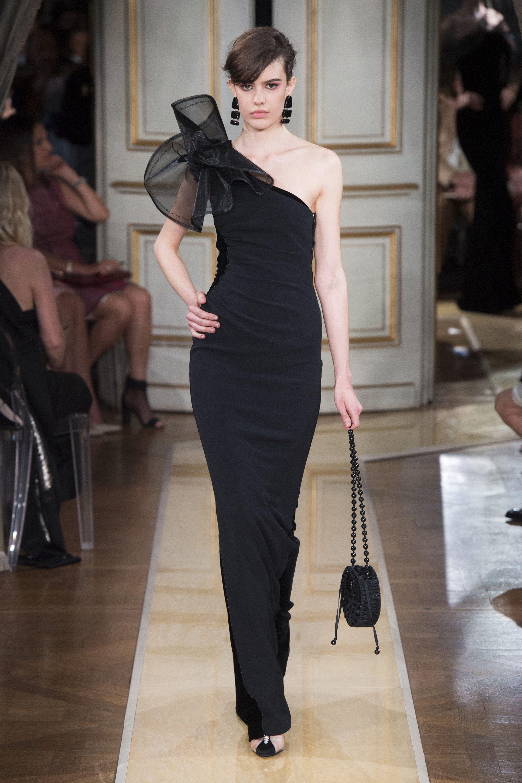 Armani Privé черное платье-рыбка 2019 с большим воздушным бантом
