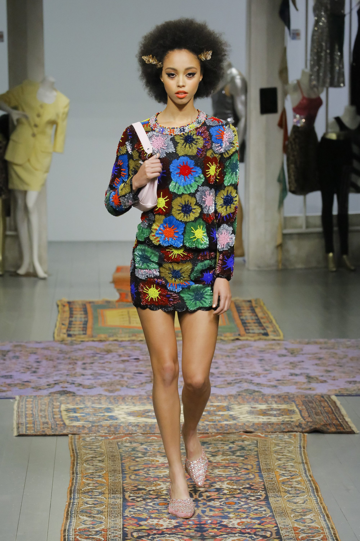 Ashish короткое платье с яркими разноцветными рисунками 2019 с длинными рукавами