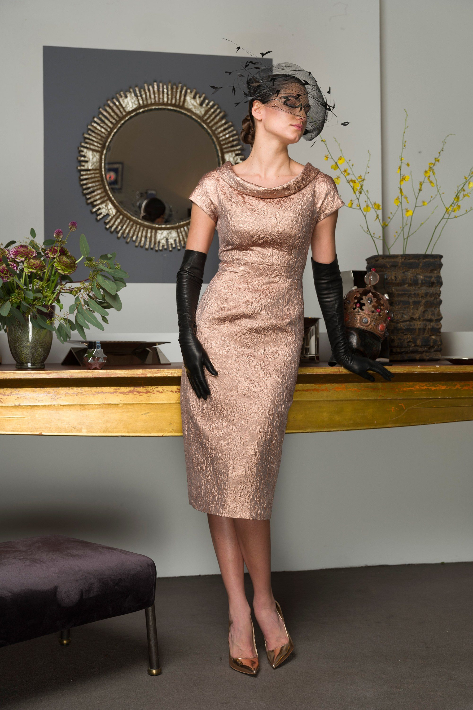 Barbara Tfank элегантное обтягивающее платье бежевого цвета 2019 с длинными кожаными перчатками
